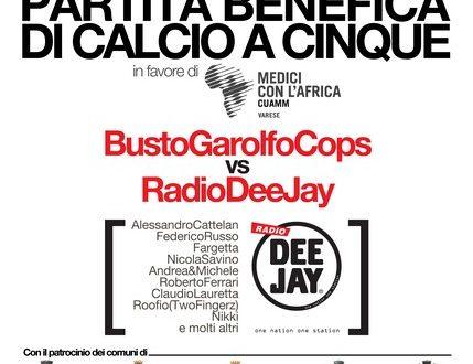 Radio Deejay vs Busto G. Cops per Africa