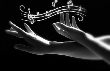 note musicali mani 1